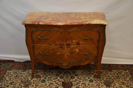 prodej starožitného nábytku