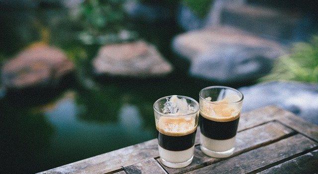 sklenice na kávu