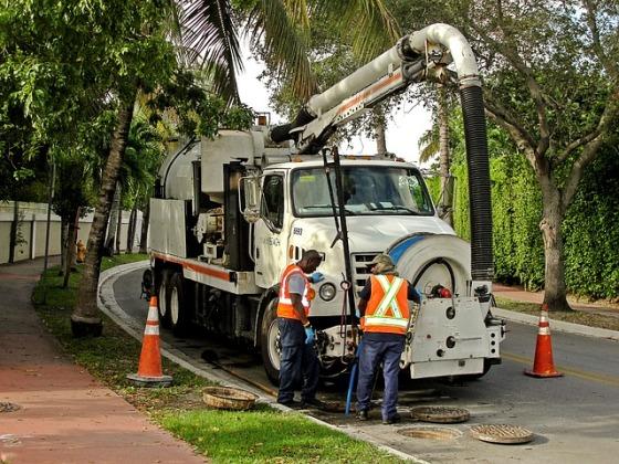 Zařízení pro čištění kanalizace